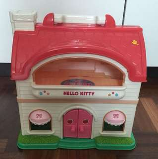 Hello Kitty doll house with figurines and furniture