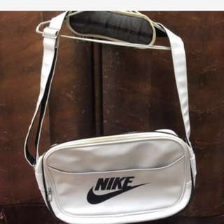 🚚 Nike側背包