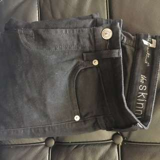 PRICE REDUCED. 7 For All Mankind Black Mid Rise Jean