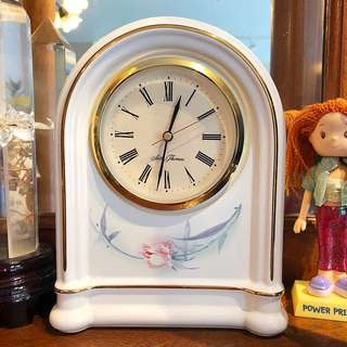 Vintage Handpainted Porcelain Seth Thomas Clock battery operated