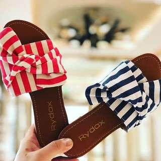 Big ribbon sandals