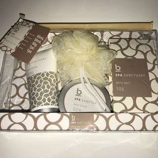 Spa sanctuary bath gift set