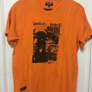 Izzue橙色綿質短袖T恤,90%新,膊36寸,長27寸