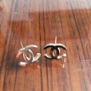 Chanel ear ring