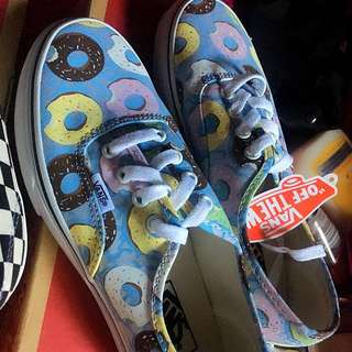 Authentic brand new keds skyway/donut size 7
