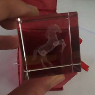 solid clear horse crafting in clear stone