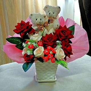 New * Artificial Flower Arrangement