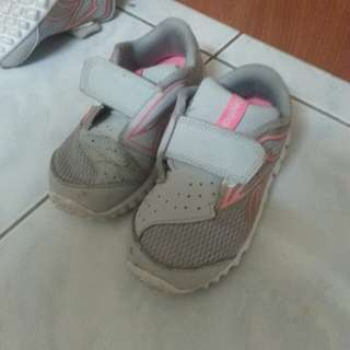 Reebok shoes 2 years old girl