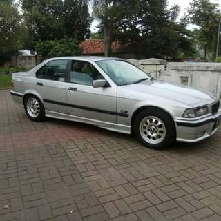 BMW 323i AT Th96