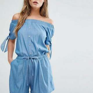 Offshoulder denim romper/jumpsuits
