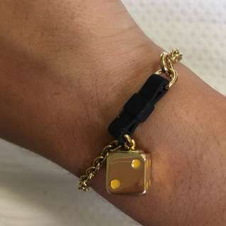 MARC JACOBS DICE ANS BLACK BOW BRACELET