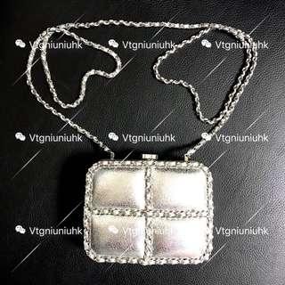 (Sold)Chanel vintage 秀款銀色小盒仔
