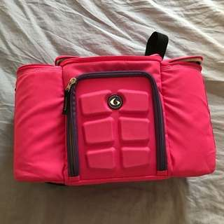 *REDUCED* 6 Pack Travel Fit Bag Pink