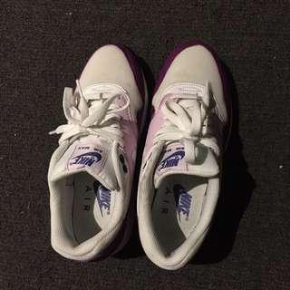 Purple Nike Air Max Size 7