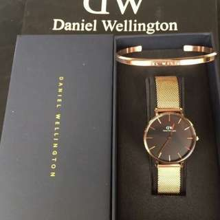 DANIEL WELLINGTON STAINLESS SET WATCH