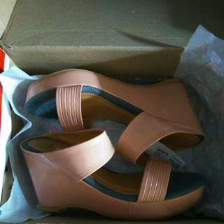 (REPRICE) FLADEO WEDGES