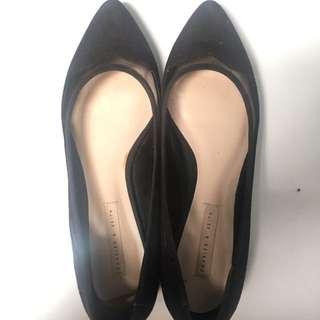 Flatshoes Hitam Charles & Keith