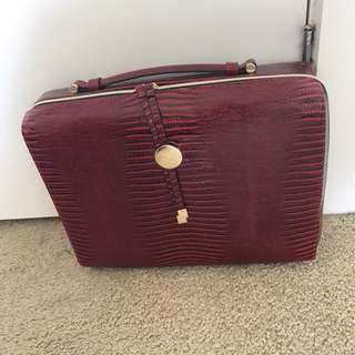 Estée Lauder makeup bag ( bag only)