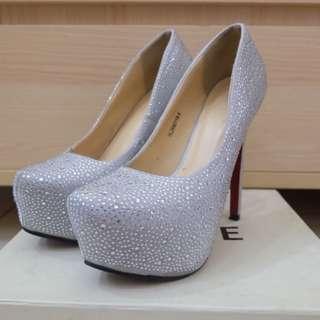 Amante Silver Heels