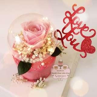 情人節放閃蛋糕 粉紅色玫瑰花配滿天星🌹💐 燈光串水晶球 💡🔮