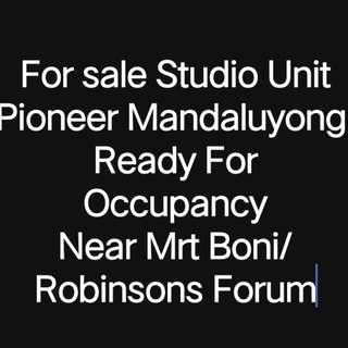 Axis Residences Pioneer, Mandaluyong