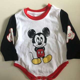 Baby 3-6 months apparel. Romper, top