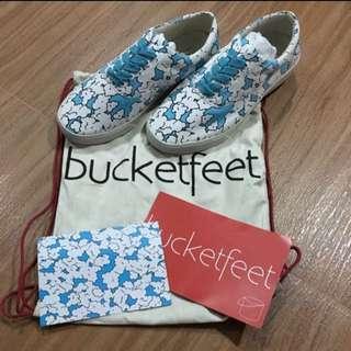 Bucketfeet Cloudwalker Low Canvas Sneaker