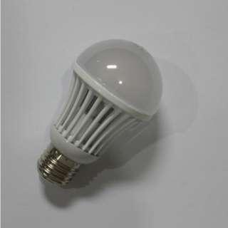 LAMPU LED RUMAH 7W RONGGA (KUNING)