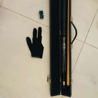 Custom pool cue with glove and dusters and case
