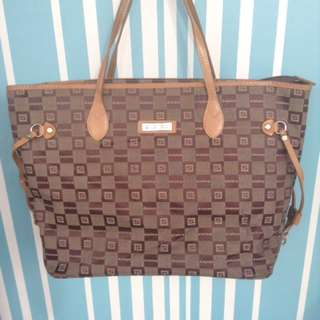 Sisley preloved