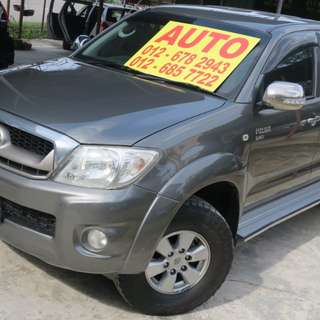 OTR PRICE 2009 TOYOTA HILUX 2.5G AUTO. NO OFF ROAD CAR