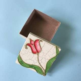 Red tulip square box