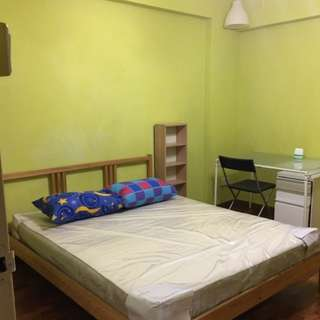 Hougang central room cheap very near MRT!