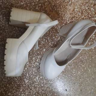 Stylenanda white shoes