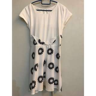 White floral short dress/top