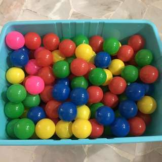265 Colourful Plastic Balls