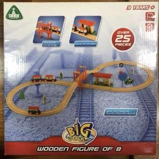 BNIB ELC wooden figure of 8 Train set