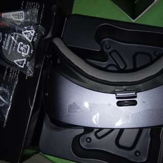 Samsung vr box w controller