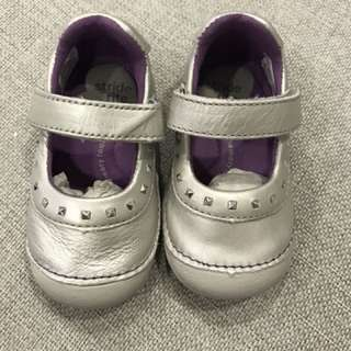 Stride rite baby girl shoes size 4m