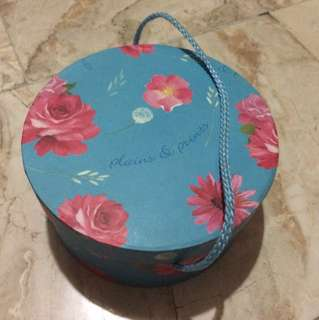 Plains & Prints Floral Container