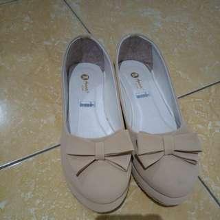 Sepatu flatshoes wanita