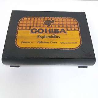 古董雪茄盒  (購自古巴夏灣拿)  COHIBA Antique Cedar Wood Cigar Storage Box (bought in Hanava)