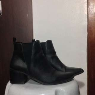 Forever 21 pointed leather boots