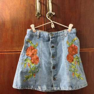 Zara embroidered denim skirt