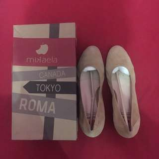 Mikaela shoes size 40