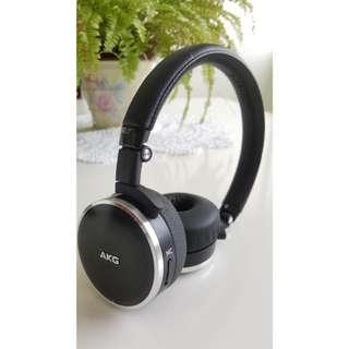 AKG Noise Cancelling Headphones Model N60 NC