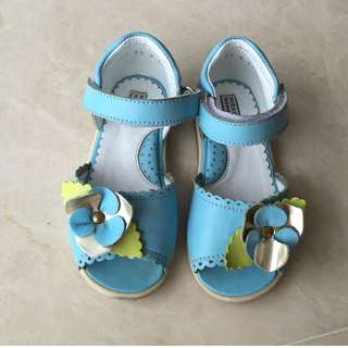 Leather sandals 23