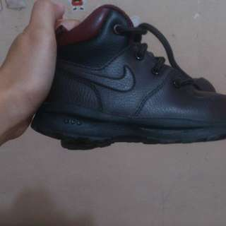 Orig nike boots without box