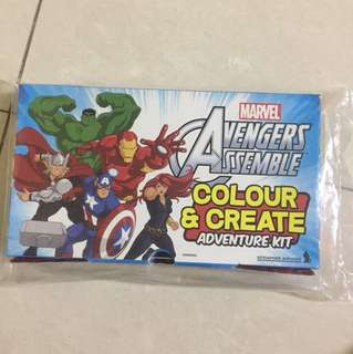 Marvel avengers - colour & create adventure kit