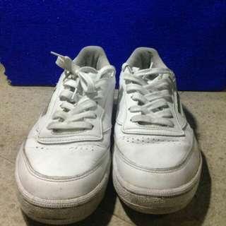 Sepatu Reebok Classic